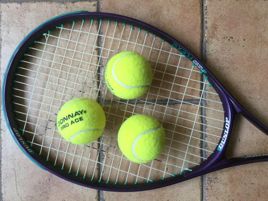 Raquete com bolas de ténis por cima, tennis racket with balls, Estoril Open