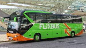 Autocarro de transporte de passageiros da Flixbus - autocarros para Lisboa