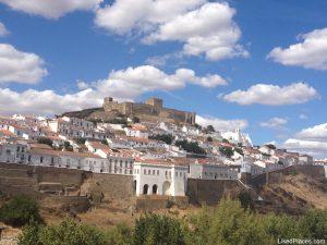 Mértola Vista geral da vila a partir de Além-Rio, Alentejo