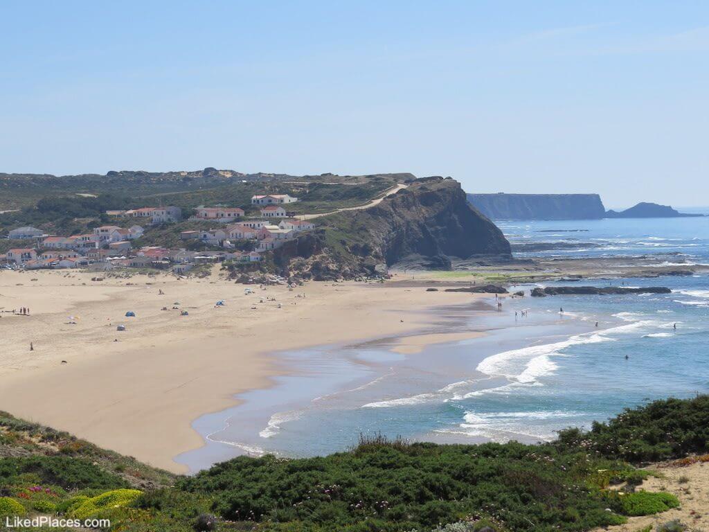 Algarve Vista da Praia de Monte Clérigo em Aljezur