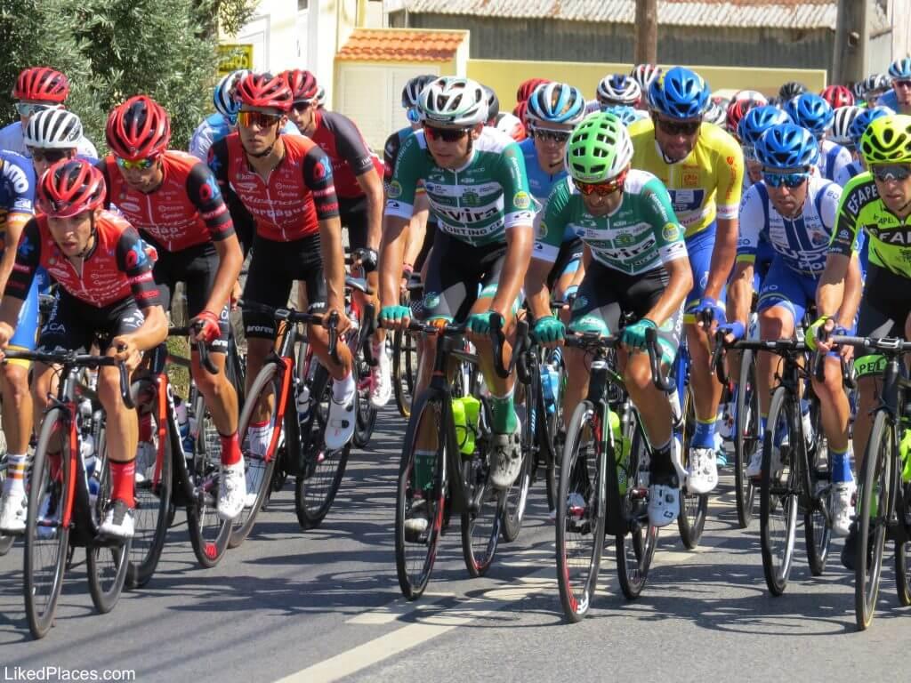 Pelotão de ciclistas na Volta a Portugal; Platoon of Cyclists