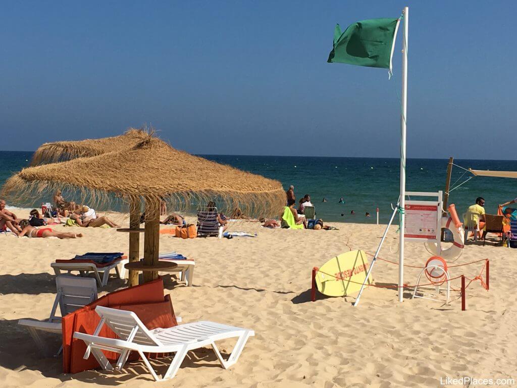 Algarve, Vista da Praia de Alagoa ou Altura