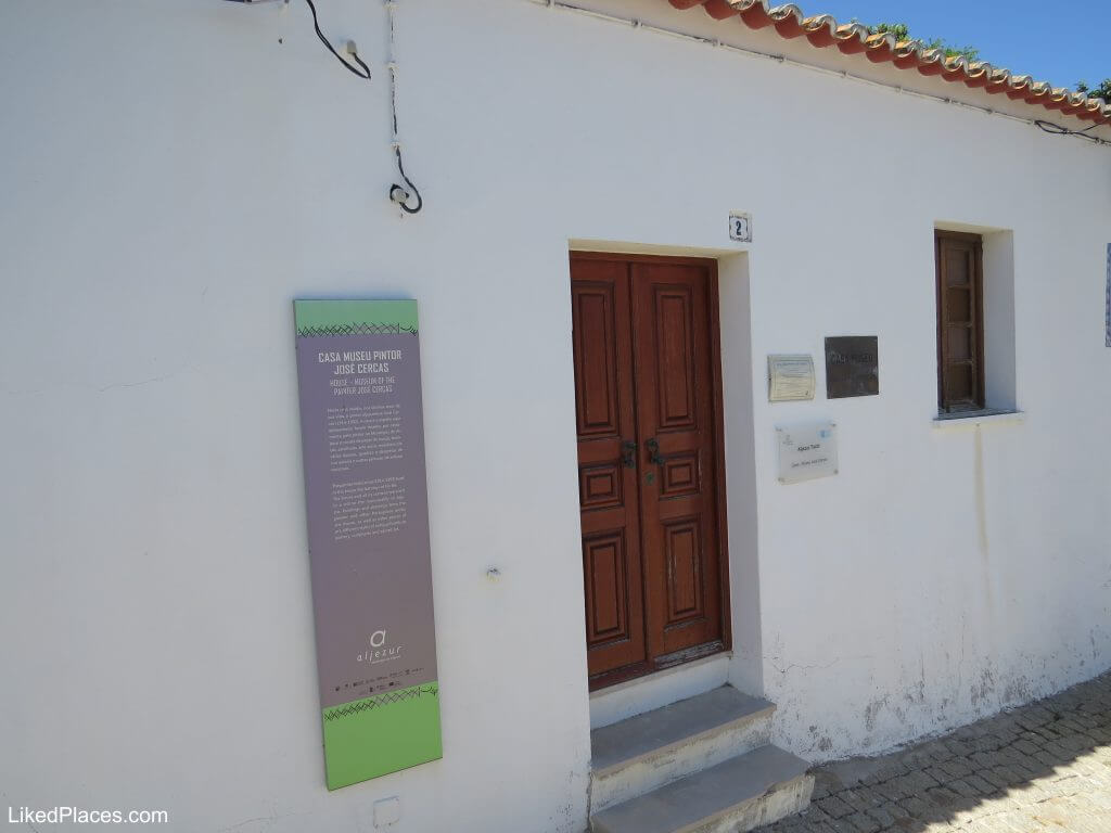 Facade of the Painter José Cercas House Museum, Aljezur