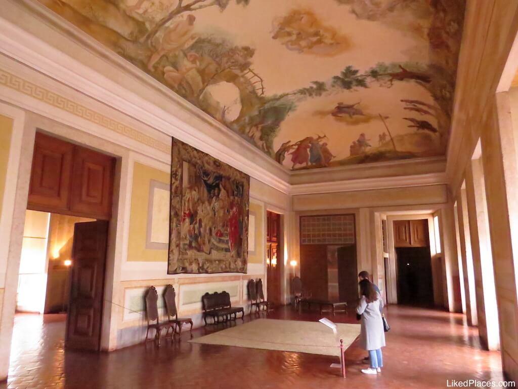 Vista Geral da decoração da Sala de Diana no Palácio de Mafra