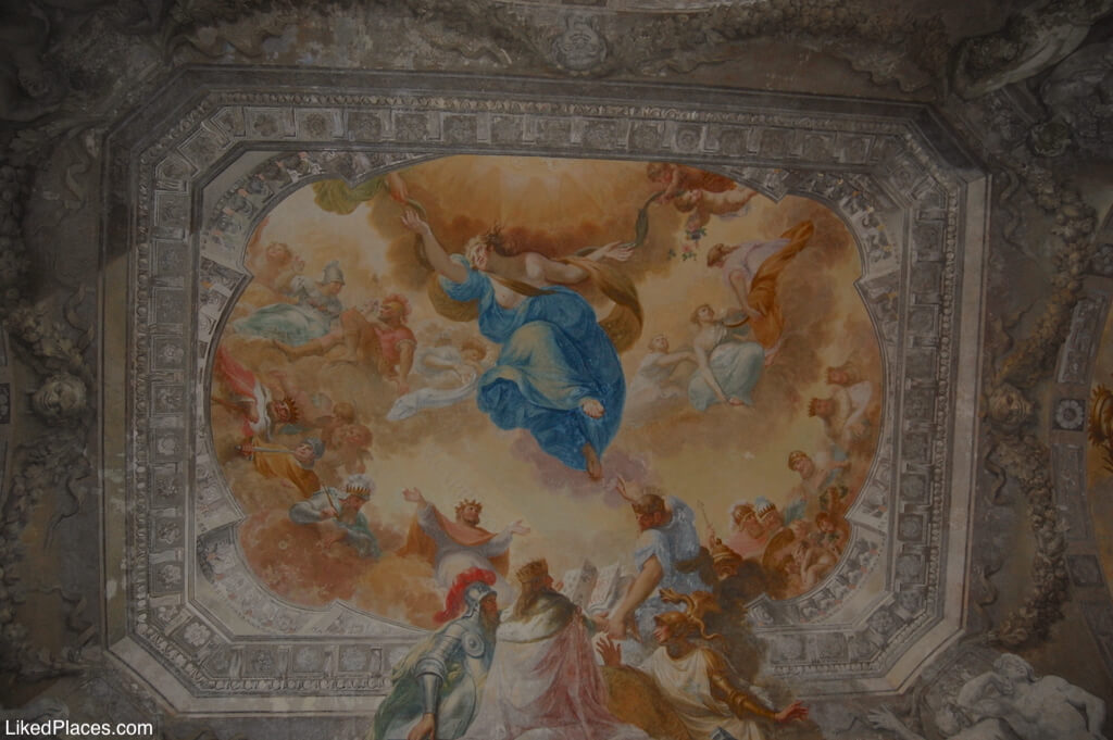 Teto pintado da Sala dos Destinos no Palácio de Mafra Palace Ceiling of the Destinations Room