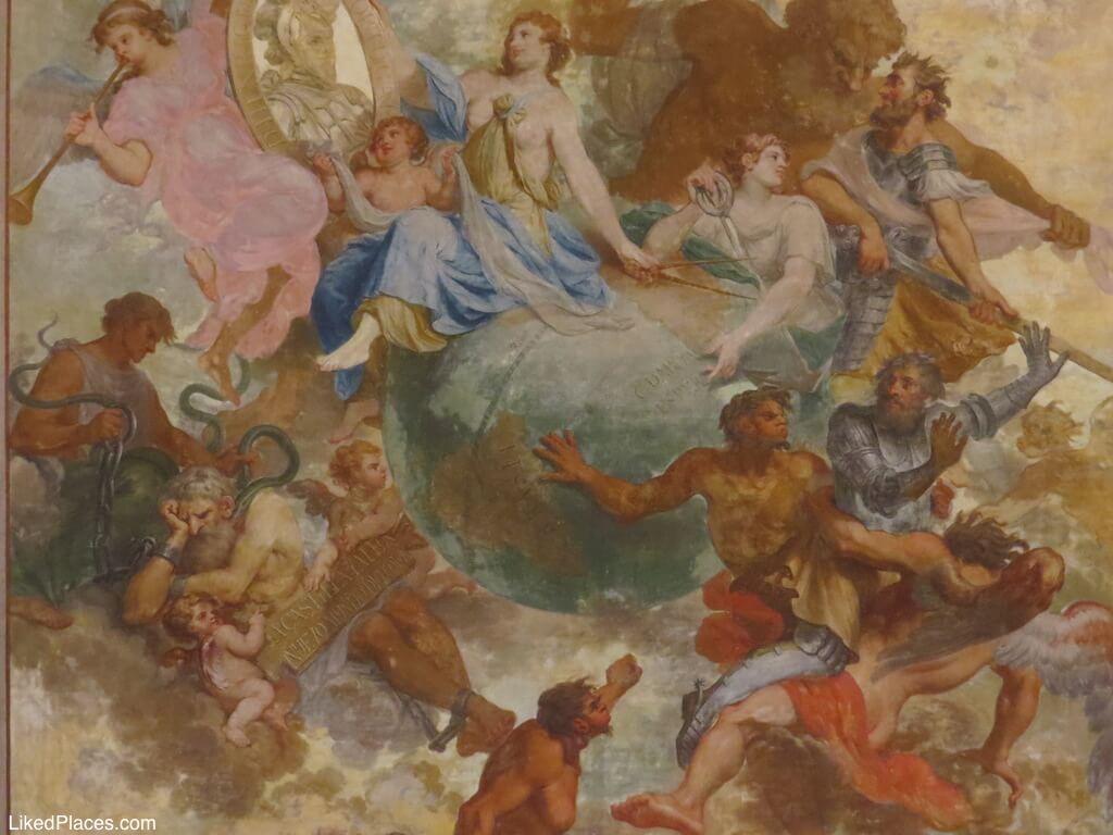 Teto pintado na Sala das Descobertas no Palácio de Mafra
