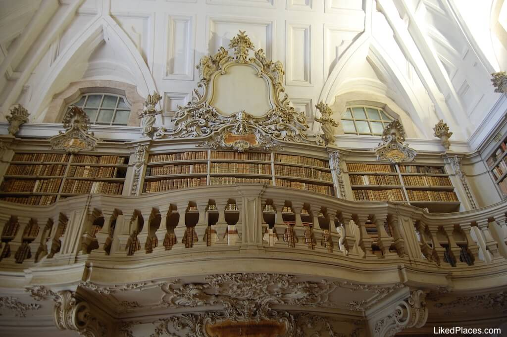 Palácio de Mafra pormenor arquitectónico da Biblioteca Palace Library