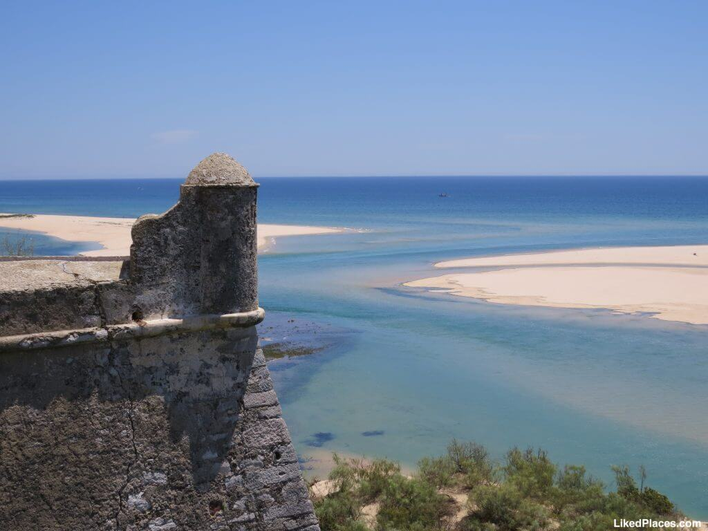 Vista de Cacela Velha para a Ria Formosa.  View from Cacela Velha to Ria Formosa