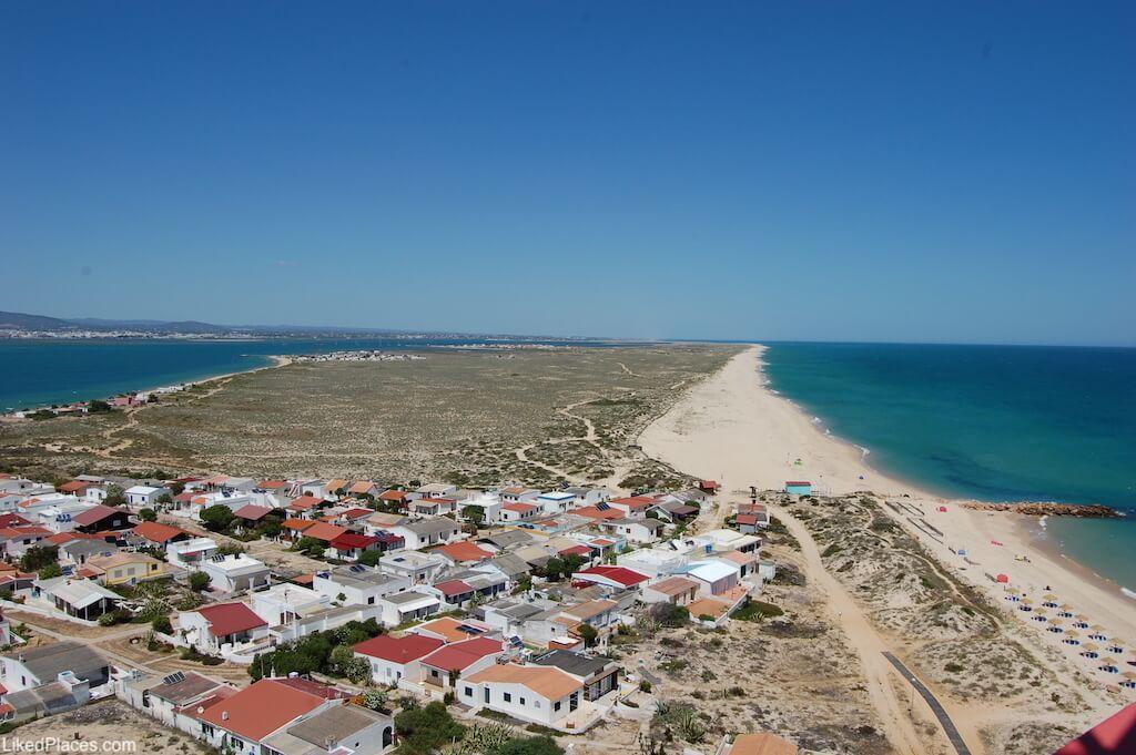 Vista para a Ilha da Culatra, do Farol do Cabo de Santa Maria