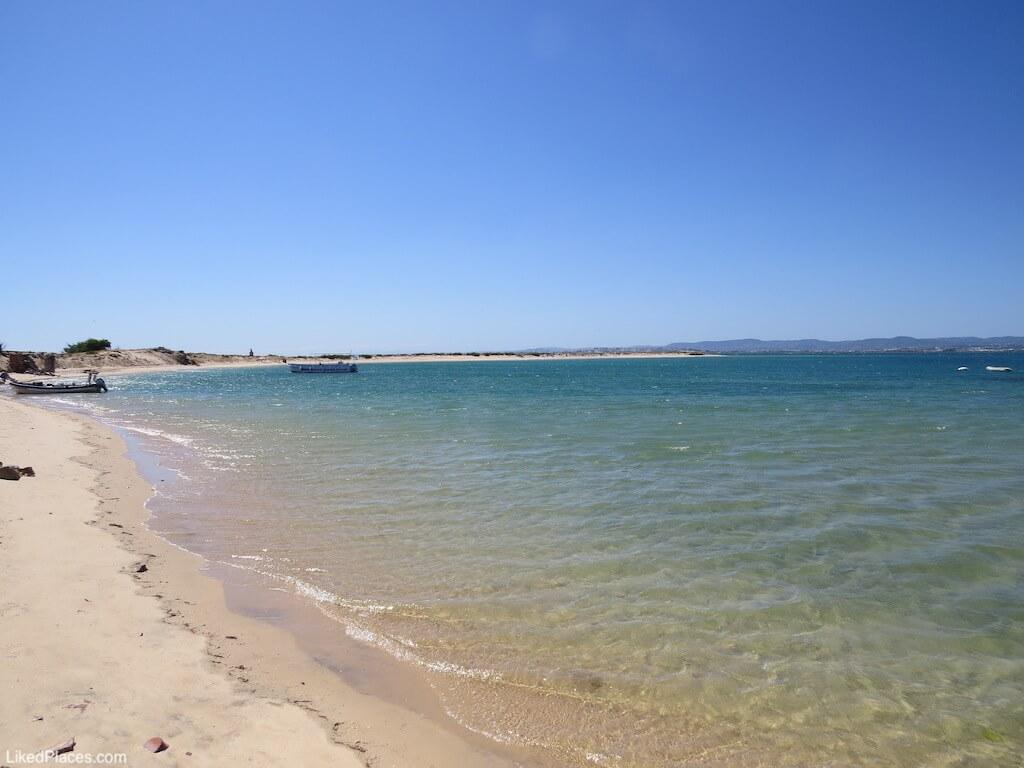 Baía da Ilha Deserta ou Barreta