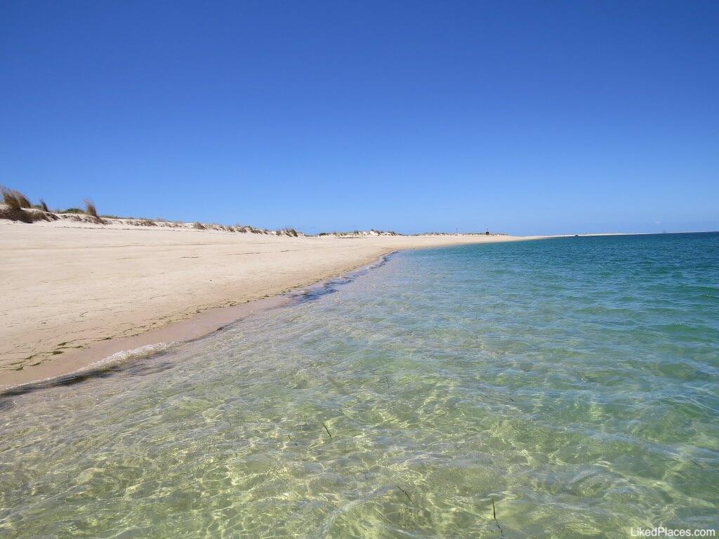 Praia na Ilha da Culatra. Em frente à Ilha da Armona