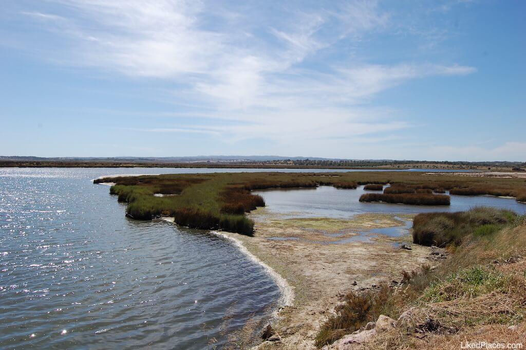 Paisagem da Reserva Natural do Sapal de Castro Marim e Vila Real de Santo António