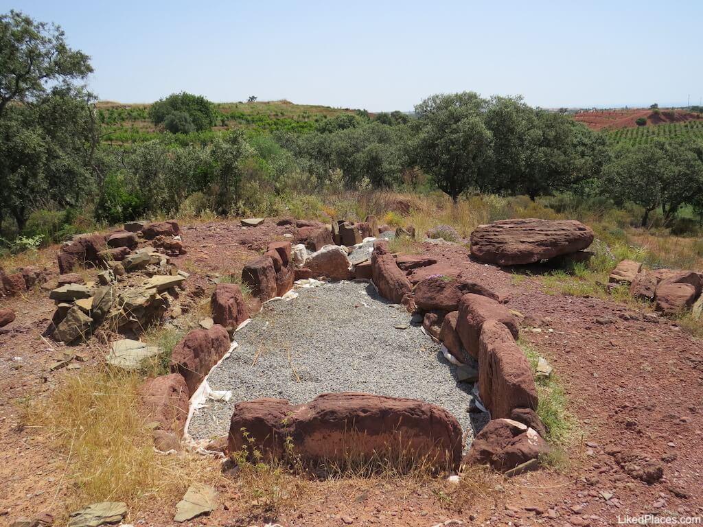 Túmulo megalítico de Santa Rita