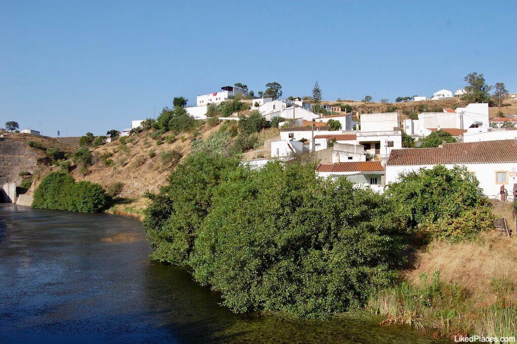 Vista de Odeleite a partir do rio, Castro Marim