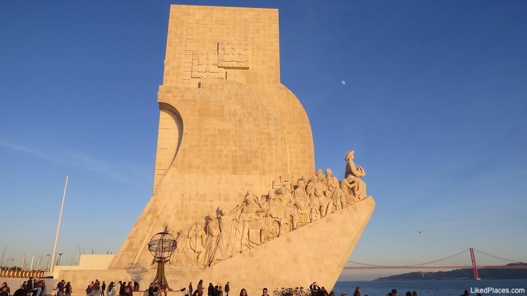 Vista lateral do Padrão dos Descobrimentos, Lisboa