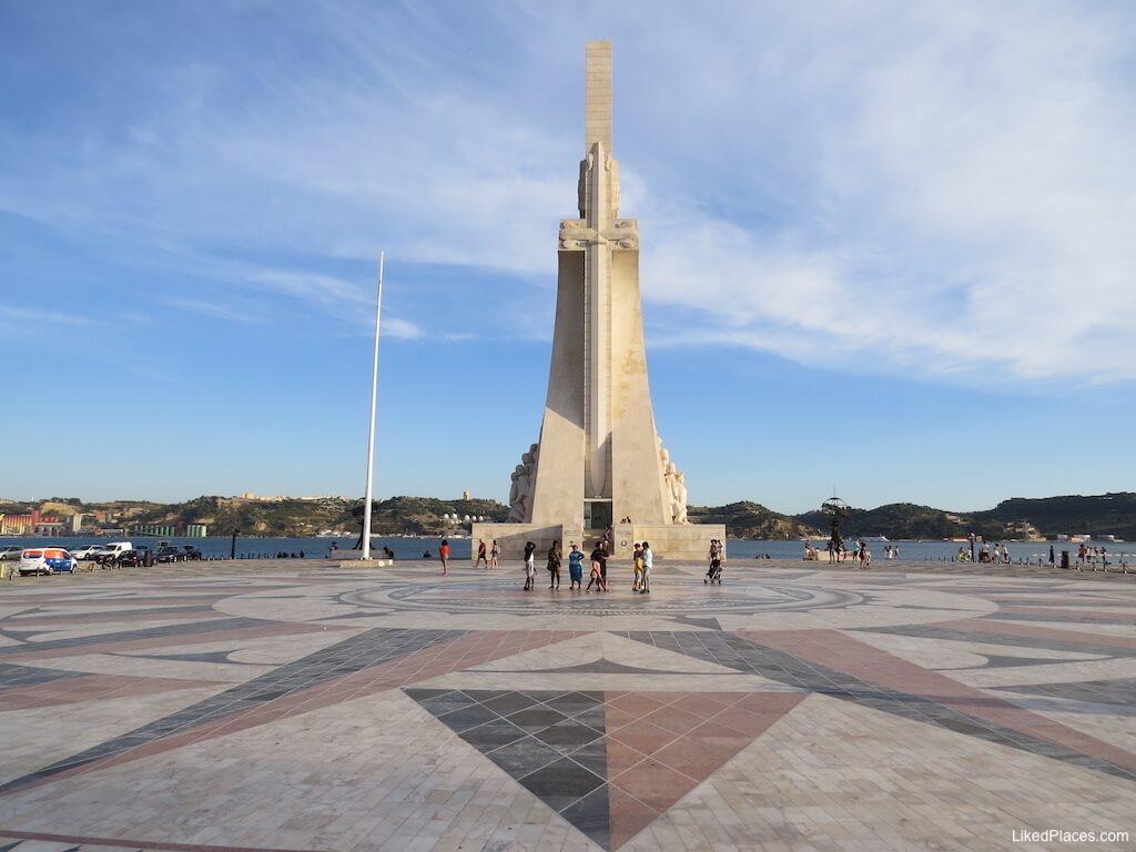 Vista Norte do Padrão dos Descobrimentos com a Rosa dos Ventos, Lisboantos, Lisboa