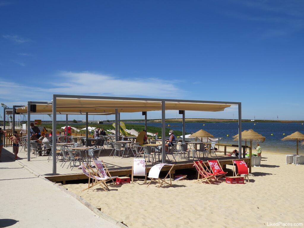 Parque Fluvial 5 Reis Beja esplanada apoio de praia