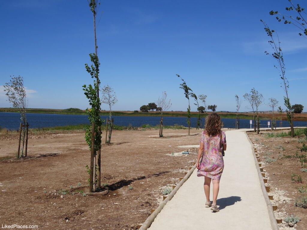 Parque Fluvial 5 Reis Praia Beja trilho pedonal