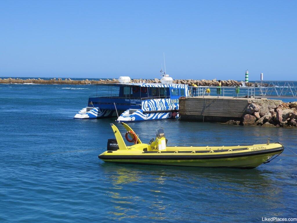 Transporte barco ilha deserta