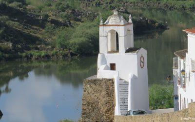 Mértola Torre do Relógio junto ao Rio Guadiana