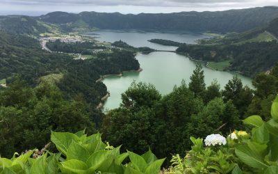 Açores Lagoa das Sete Cidades (Lagoa Verde e Lagoa Azul) na Ilha de São Miguel