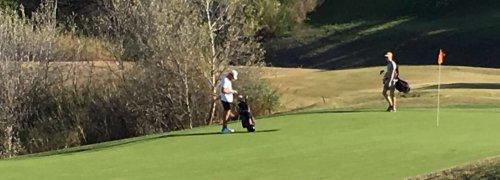 LikedPlaces jogadores de golfe no green Portugal Masters