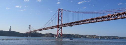 Lisboa Ponte 25 de Abril sobre o Rio Tejo